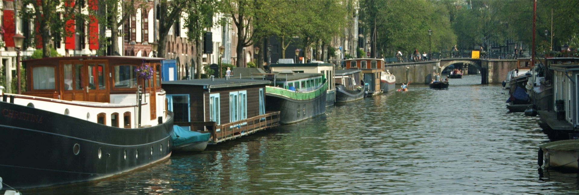 A Houseboat In Amsterdam 9 Useful Tips