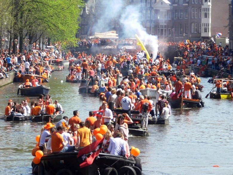 Rent a Boat Kingsday Amsterdam Canals Boats4rent
